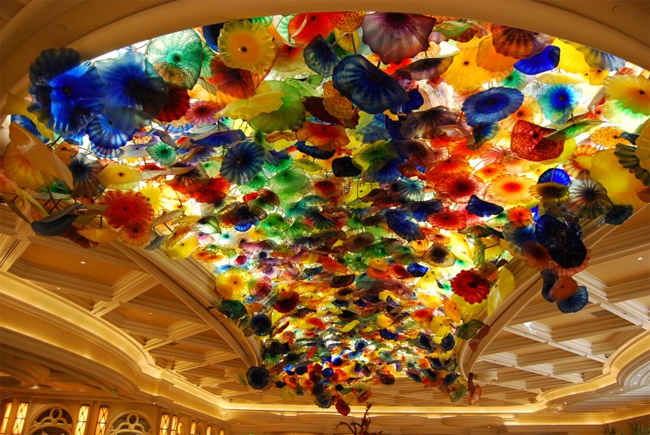 7 Extraordinary Examples Of Glass Art In Public Spaces