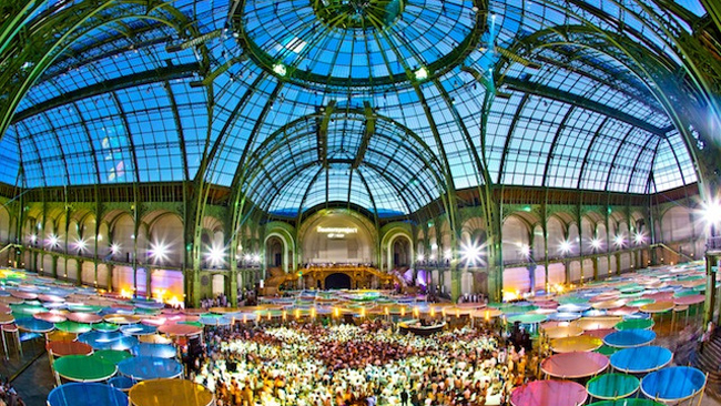 paris grand palais turned into a spectacle of light. Black Bedroom Furniture Sets. Home Design Ideas