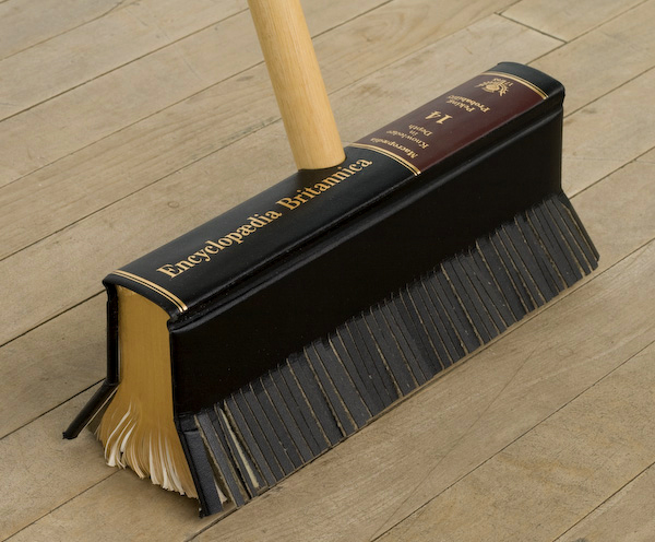 Roberth The Encyclopaedia Broom