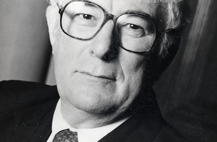 seamus heaney digging essay writer