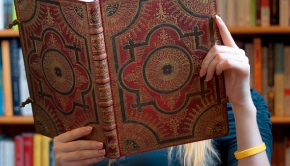 Baroque-Ventaglio---Ventaglio-Rosso---(1)