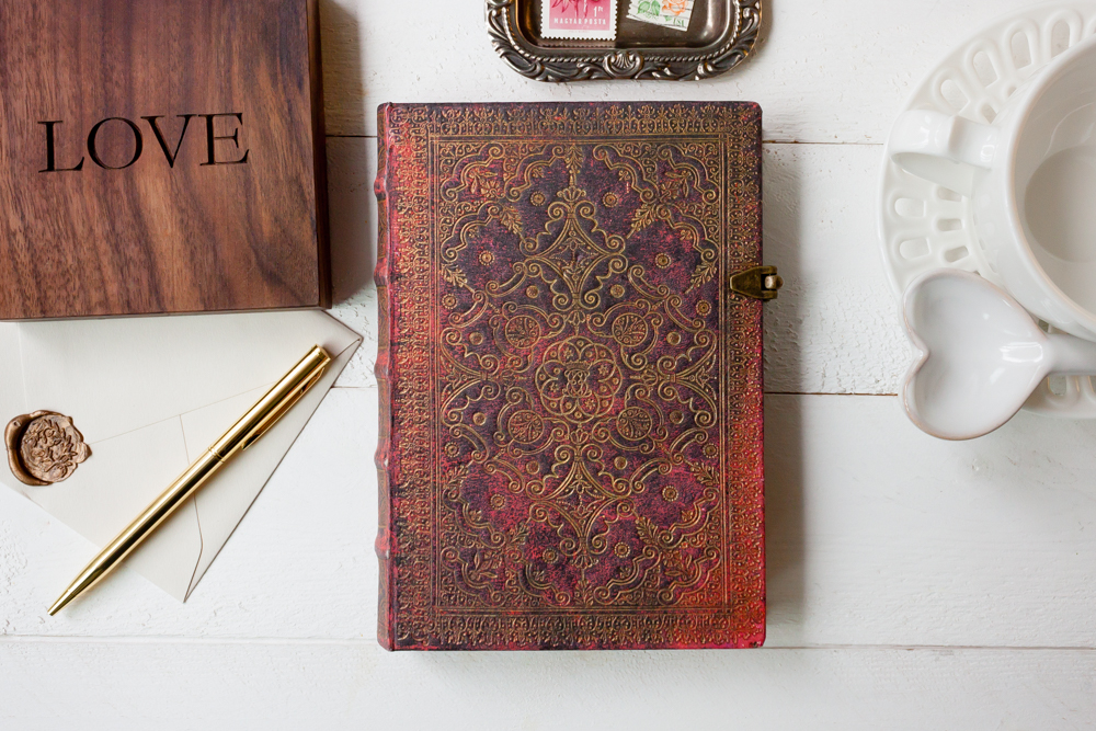 Paperblanks Carmine journal